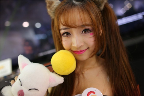 2014年第十二届上海chinajoy豪乳美女