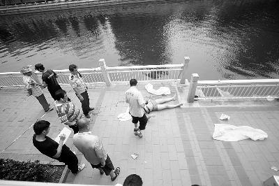 北京东二环护城河内捞出男子尸体